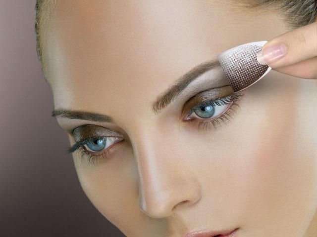 Компактные сухие тени для глаз