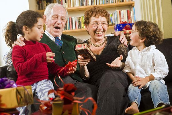 Подарок бабушке с дедушкой на новый год