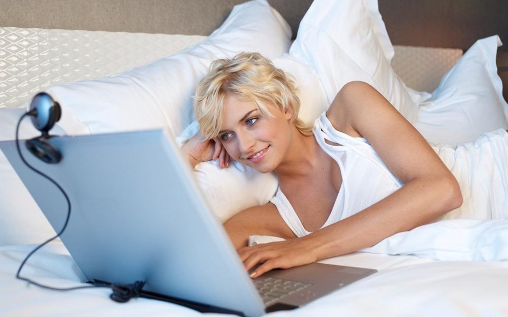 Девушкой интернете знакомство