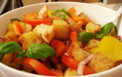 Салат «Панцанелла» — рецепт приготовления